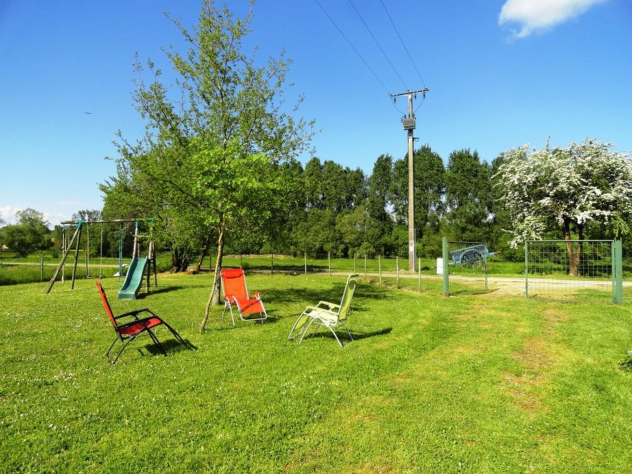 jardin et balançoires